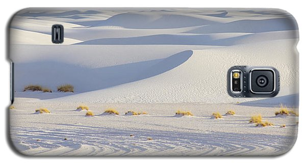 Galaxy S5 Case featuring the photograph White Sands New Mexico by Elvira Butler