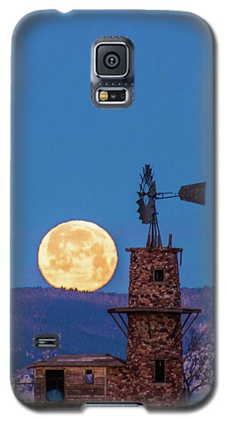 Windmill At Moonset Galaxy S5 Case
