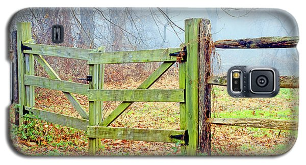 Wooden Fence On A Foggy Morning Galaxy S5 Case