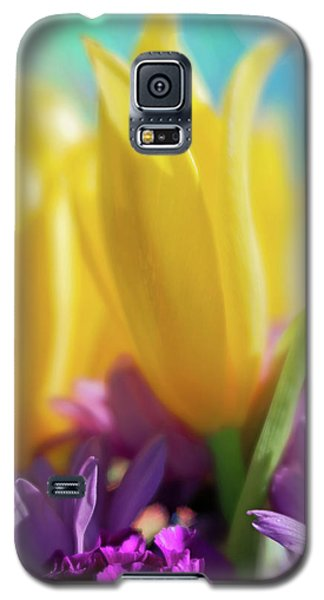Yellow Lily Galaxy S5 Case