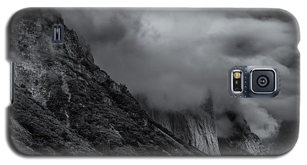 Yosemite Valley Panorama In Black And White Galaxy S5 Case
