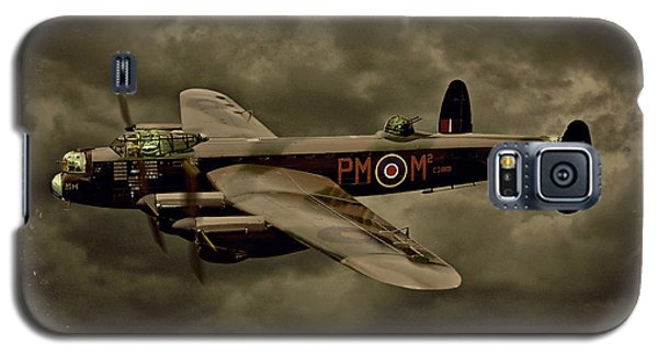 Galaxy S5 Case featuring the photograph 103 Squadron Avro Lancaster by Steven Agius