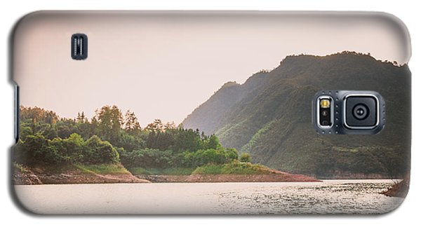 The Mountains And Lake Scenery In Sunset Galaxy S5 Case