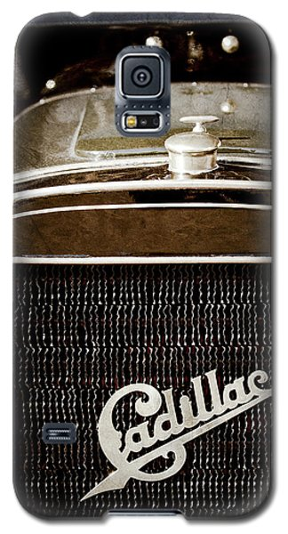 Galaxy S5 Case featuring the photograph 1907 Cadillac Model M Touring Grille Emblem -1106ac by Jill Reger