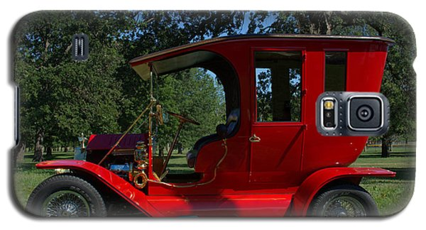 Galaxy S5 Case featuring the photograph 1909 Ford Model T Limo Custom Hot Rod by Tim McCullough