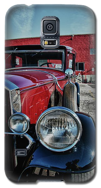 Galaxy S5 Case featuring the photograph 1931 Pierce Arow 3473 by Guy Whiteley