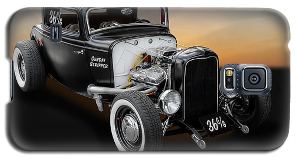Galaxy S5 Case featuring the photograph 1932 Ford Deuce Coupe C/gas Roadster by Frank J Benz