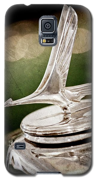 Galaxy S5 Case featuring the photograph 1932 Studebaker Dictator Hood Ornament -0850ac by Jill Reger