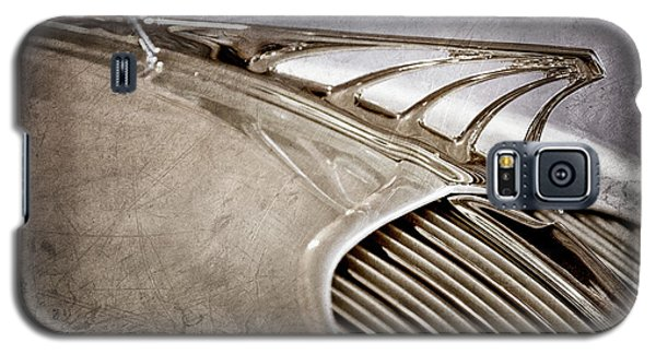 Galaxy S5 Case featuring the photograph 1934 Desoto Airflow Coupe Hood Ornament -2404ac by Jill Reger