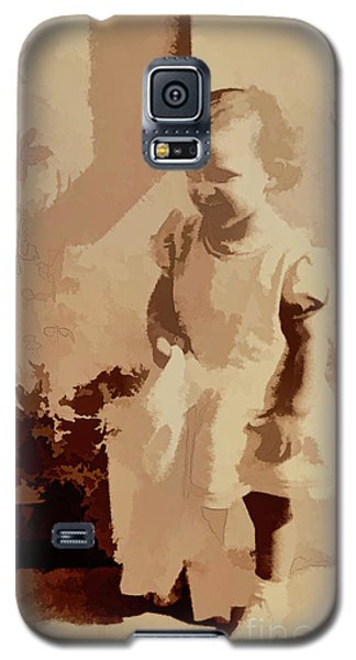 Galaxy S5 Case featuring the photograph 1940s Little Girl by Linda Phelps