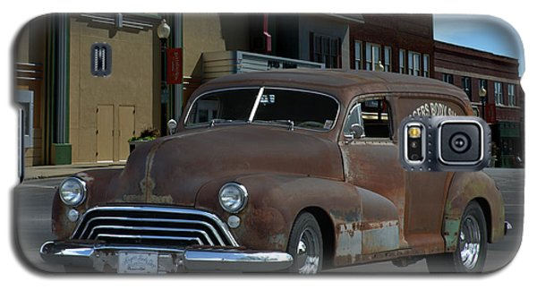 Galaxy S5 Case featuring the photograph 1948 Oldsmobile Sedan Delivery by Tim McCullough