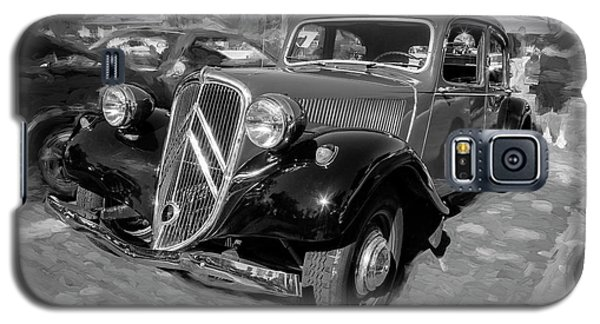 Galaxy S5 Case featuring the photograph 1953 Citroen Traction Avant Bw by Rich Franco