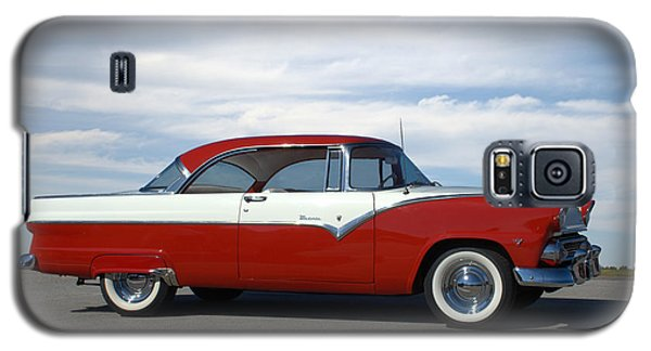 Galaxy S5 Case featuring the photograph 1955 Ford Victoria by Tim McCullough
