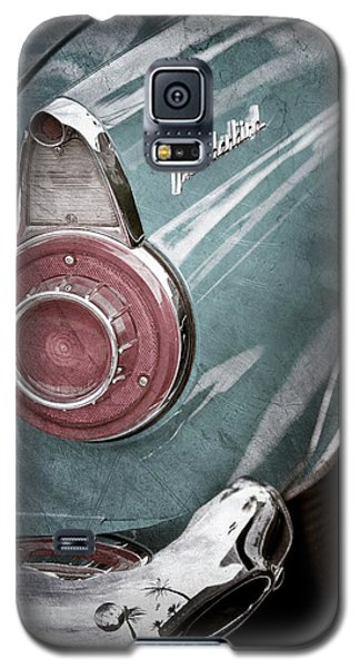 Galaxy S5 Case featuring the photograph 1956 Ford Thunderbird Taillight Emblem -0382ac by Jill Reger