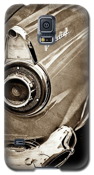 Galaxy S5 Case featuring the photograph 1956 Ford Thunderbird Taillight Emblem -0382s by Jill Reger