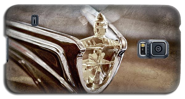 Galaxy S5 Case featuring the photograph 1956 Lincoln Premiere Convertible Hood Ornament -2797ac by Jill Reger