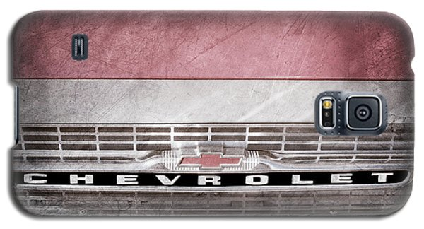 Galaxy S5 Case featuring the photograph 1961 Chevrolet Corvair Pickup Truck Grille Emblem -0130ac by Jill Reger