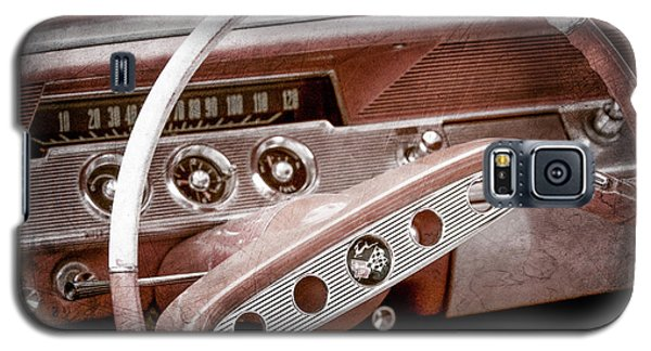 Galaxy S5 Case featuring the photograph 1961 Chevrolet Impala Ss Steering Wheel Emblem -1156ac by Jill Reger
