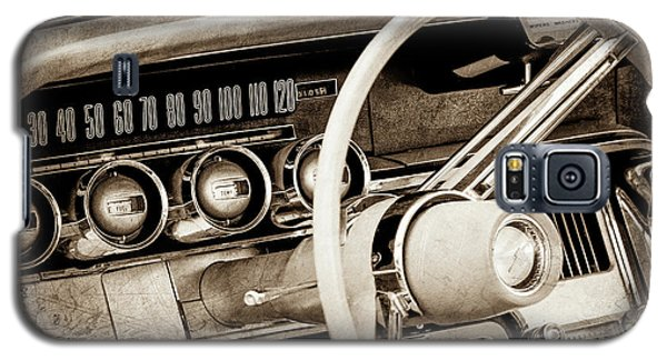 Galaxy S5 Case featuring the photograph 1964 Ford Thunderbird Steering Wheel -0280s by Jill Reger