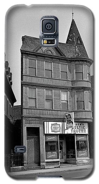 Galaxy S5 Case featuring the photograph 1965 Jack's Celtic Tavern Boston by Historic Image