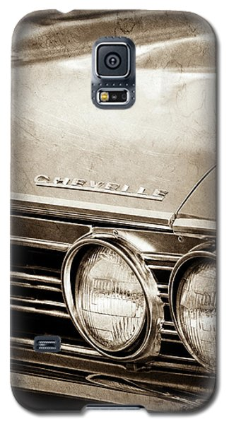 Galaxy S5 Case featuring the photograph 1967 Chevrolet Chevelle Ss Super Sport Emblem -0413s by Jill Reger