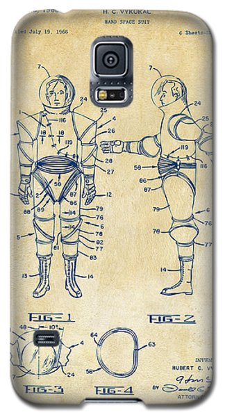 1968 Hard Space Suit Patent Artwork - Vintage Galaxy S5 Case by Nikki Marie Smith
