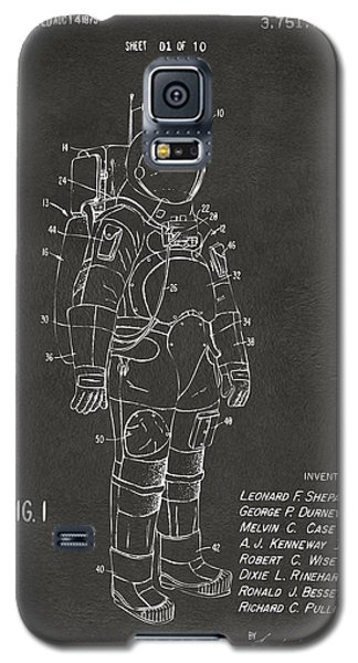 1973 Space Suit Patent Inventors Artwork - Gray Galaxy S5 Case