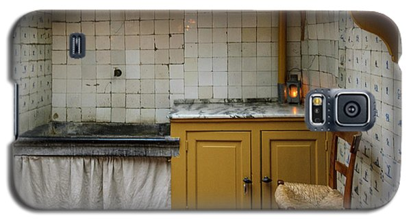 Galaxy S5 Case featuring the photograph 19th Century Kitchen In Amsterdam by RicardMN Photography