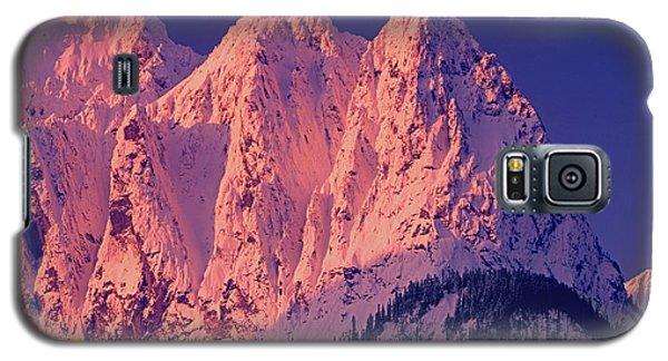 1m4503-a Three Peaks Of Mt. Index At Sunrise Galaxy S5 Case