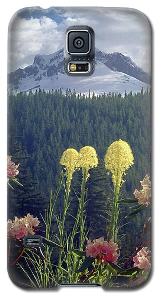 1m5101 Flowers And Mt. Hood Galaxy S5 Case
