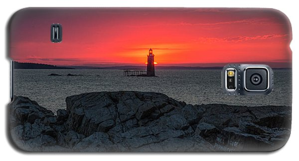 Galaxy S5 Case featuring the photograph 1st Light by Paul Noble