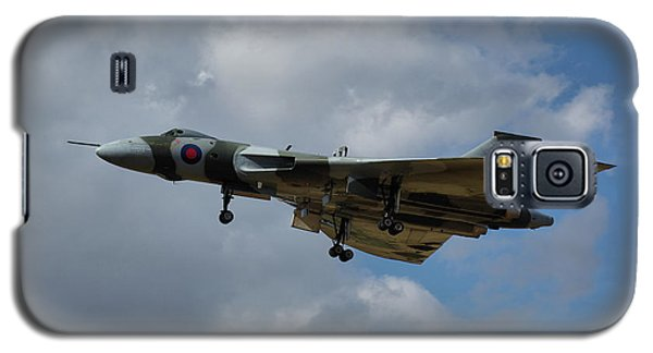 Galaxy S5 Case featuring the photograph Avro Vulcan B2 Xh558 by Tim Beach
