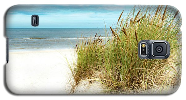 Galaxy S5 Case featuring the photograph Beach Grass by Hannes Cmarits