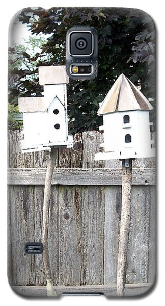 2 Bird Houses And A Fence Galaxy S5 Case