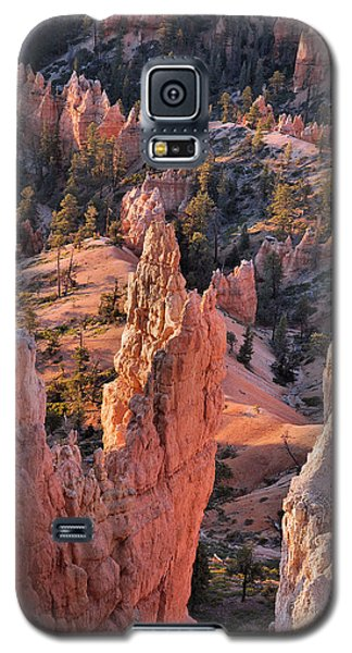 Galaxy S5 Case featuring the photograph Bryce Canyon Sunrise by Stephen  Vecchiotti