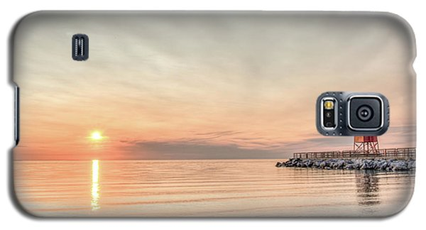 Galaxy S5 Case featuring the photograph Charelvoix Lighthouse In Charlevoix, Michigan by Peter Ciro