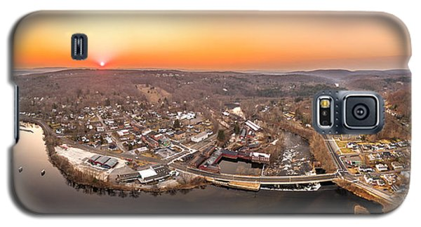 Galaxy S5 Case featuring the photograph Colinsville, Connecticut Sunrise Panorama by Petr Hejl