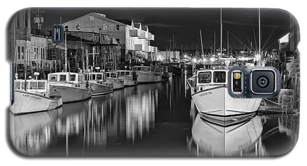 Galaxy S5 Case featuring the photograph Custom House Wharf by Richard Bean