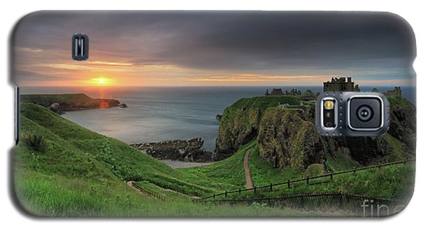 Dunnottar Castle At Sunrise Galaxy S5 Case