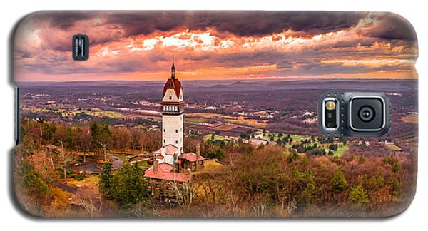 Heublein Tower, Simsbury Connecticut, Cloudy Sunset Galaxy S5 Case by Petr Hejl