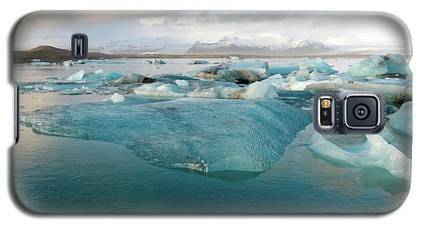 Galaxy S5 Case featuring the photograph Jokulsarlon The Glacier Lagoon, Iceland 2 by Dubi Roman