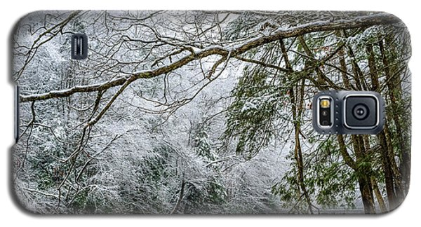 Galaxy S5 Case featuring the photograph March Snow Along Cranberry River by Thomas R Fletcher