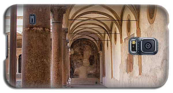 Galaxy S5 Case featuring the photograph Medieval Hallway Of Italian Cloister by Patricia Hofmeester