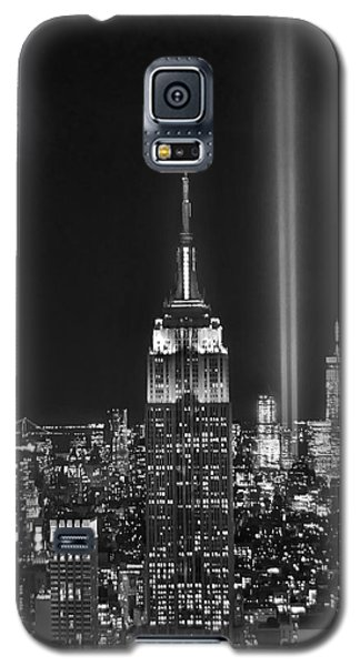 Central Park Galaxy S5 Case - New York City Tribute In Lights Empire State Building Manhattan At Night Nyc by Jon Holiday