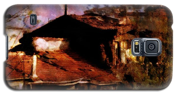 Galaxy S5 Case featuring the photograph Old Istanbul by Dariusz Gudowicz