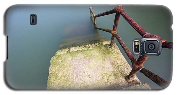 Rusty Handrail Going Down On Water Galaxy S5 Case
