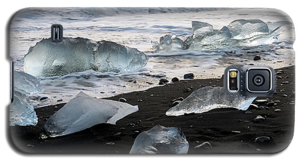 Galaxy S5 Case featuring the photograph The Diamond Beach, Jokulsarlon, Iceland by Dubi Roman