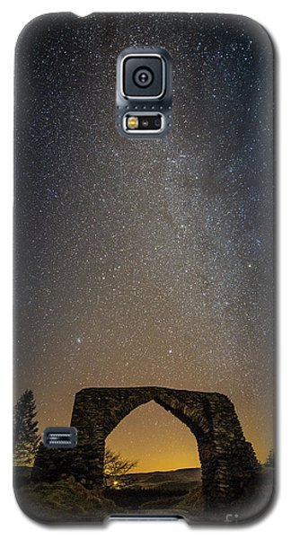 The Milky Way Over The Hafod Arch, Ceredigion Wales Uk Galaxy S5 Case