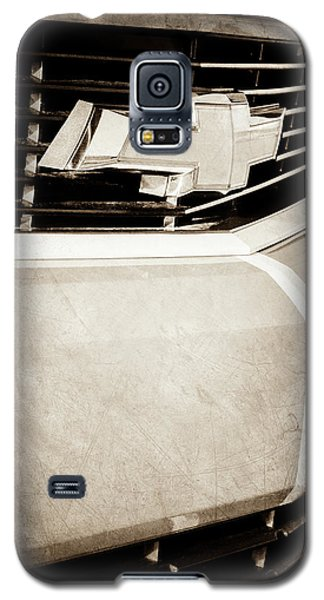 Galaxy S5 Case featuring the photograph 2011 Chevrolet Camaro Grille Emblem -0321s by Jill Reger