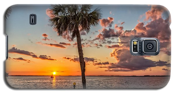 Galaxy S5 Case featuring the photograph Sunset Over Lake Eustis by Christopher Holmes
